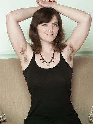 Amateur female Snow flaunts her hairy underarms and bush
