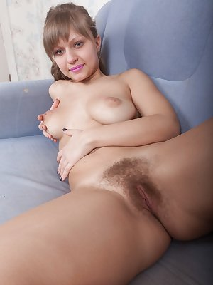 Teen first timer Jamaica shows off her wide open beaver after a glass of wine