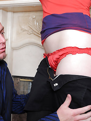 Amateur female Dixie Comet impaling hairy muff on huge cock in black stockings