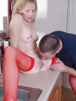 Older lady Pandora dripping cum from pussy after hardcore fucking