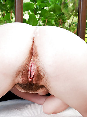 Pale amateur slut Barb sucking a cock and getting her hairy cunt fucked